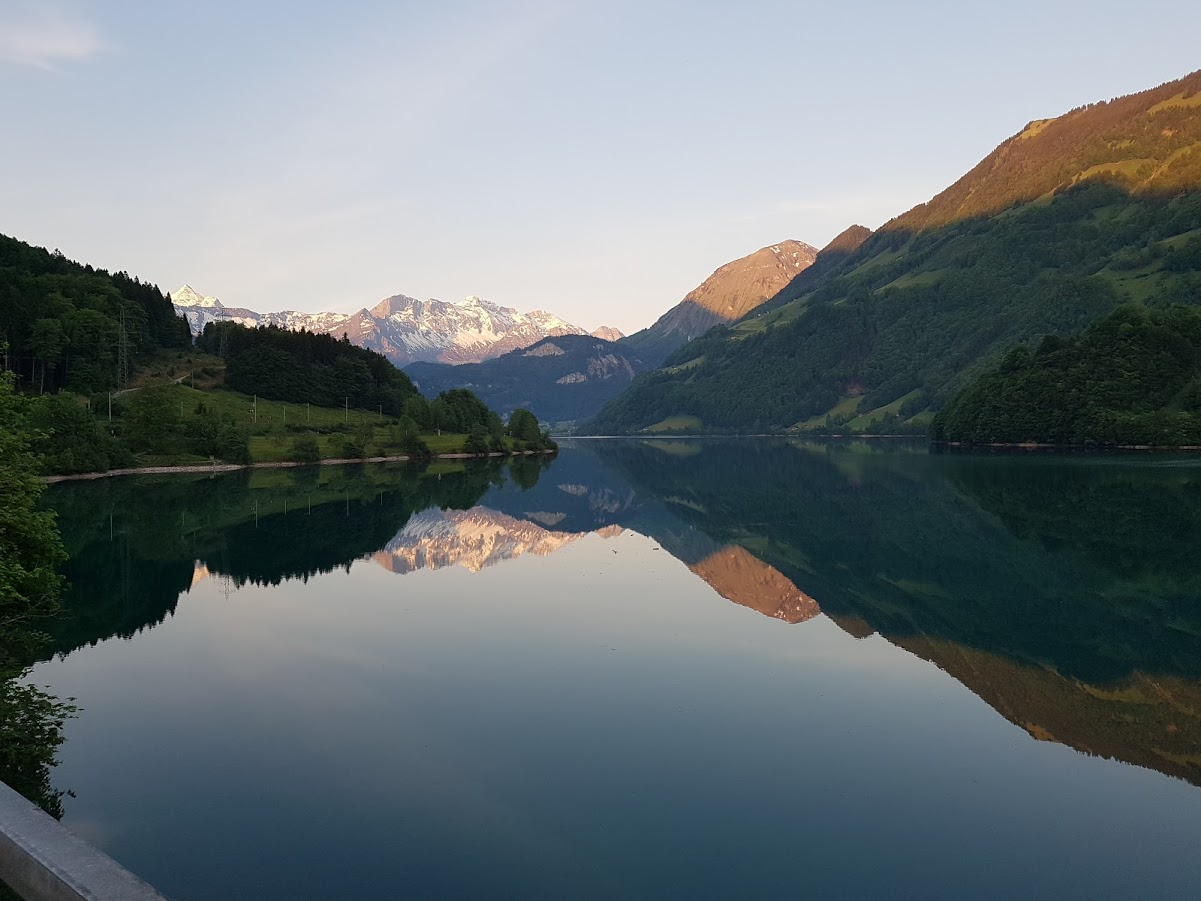 fruhmorgens am lungernsee ow