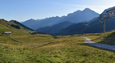 Wanderung von Adelboden über den Tierberg nach Lenk mit Start vom Hahnenmoos via Laveygrat, Obere Seewle nach Laubbärgli