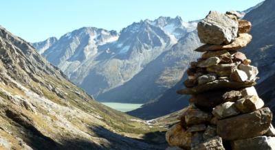Wanderung um den Göscheneralpsee von der Göscheneralp (Dammagletscher) mit Abstecher in die Dammahütte und weiter zur Chelenalphütte mit Abstieg durch das Chelenalptal via hinter Röti und Vorder Röti