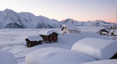 Schneeschuhtour in der Aletsch Arena von der Bettmeralp zur Riederalp und wieder zurück zur Bettmeralp (Bettmeralp–Riederalp Trail)