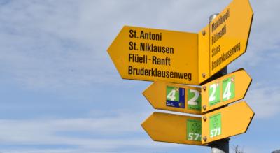 Wanderung auf dem Bruder-Klausen-Weg (Nr. 571) von Stans via St. Jakob (Ennetmoos), Pilger-Stibli in Kerns, St. Antoni, St. Niklausen OW zur Schlucht Melchaa mit den Raftkapellen (Niklaus von Flüe / Bruder Klaus) nach Flüeli-Ranft und weiter nach Sachseln am Sarnersee
