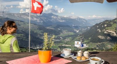 Wanderung auf den Piz Mundaun, zwischen Surselva und Val Lumnezia, von Morissen im Val Lumnezia via Bündner Rigi, Piz Mundaun, Hitzeggen / Hitzeggerkopf zurück nach Morissen