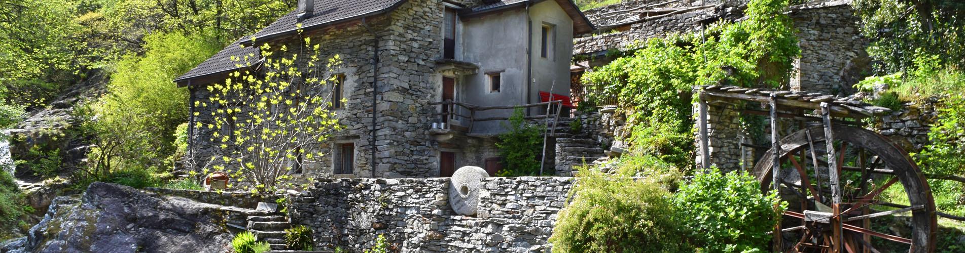Wanderungen im Centovalli, Tessin – Jetzt geht's los auf die schönsten Wanderwege im Centovalli.