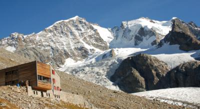 Wanderung von Pontresina ins Val Roseg via Hotel Restaurant Roseg Gletscher und Alp Misaun zur Tschiervahütte