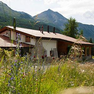 Bed & Breakfast Chasa al battaporta in Tschierv im Val Müstair / Münstertal im Schweizerischen Nationalpark