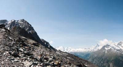Alpinwanderung von Randa im Mattertal via Lärchberg zur Domhütte, welche in der Mischabelgruppe der Walliser Alpen liegt inmitten von 7 Viertausender