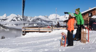 Winterwanderung von der Bergstation Eggli und dem Bergrestaurant Eggli nach Gstaad