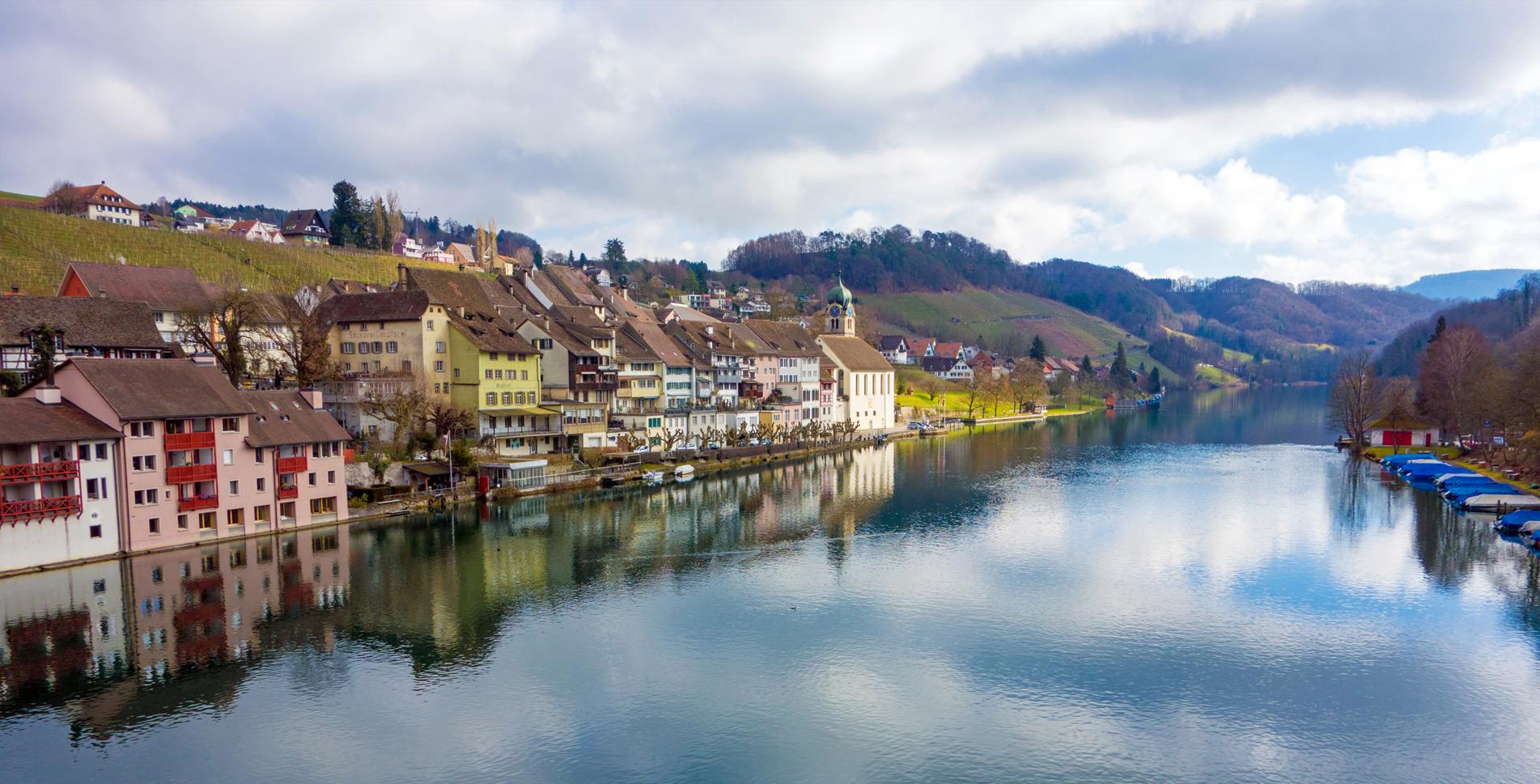 Flusswanderung von Eglisau nach Flaach dem Rhein entlang