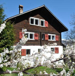 Ferienwohnung, Ferienhaus, Alphütte und Maiensäss mieten in der Surselva