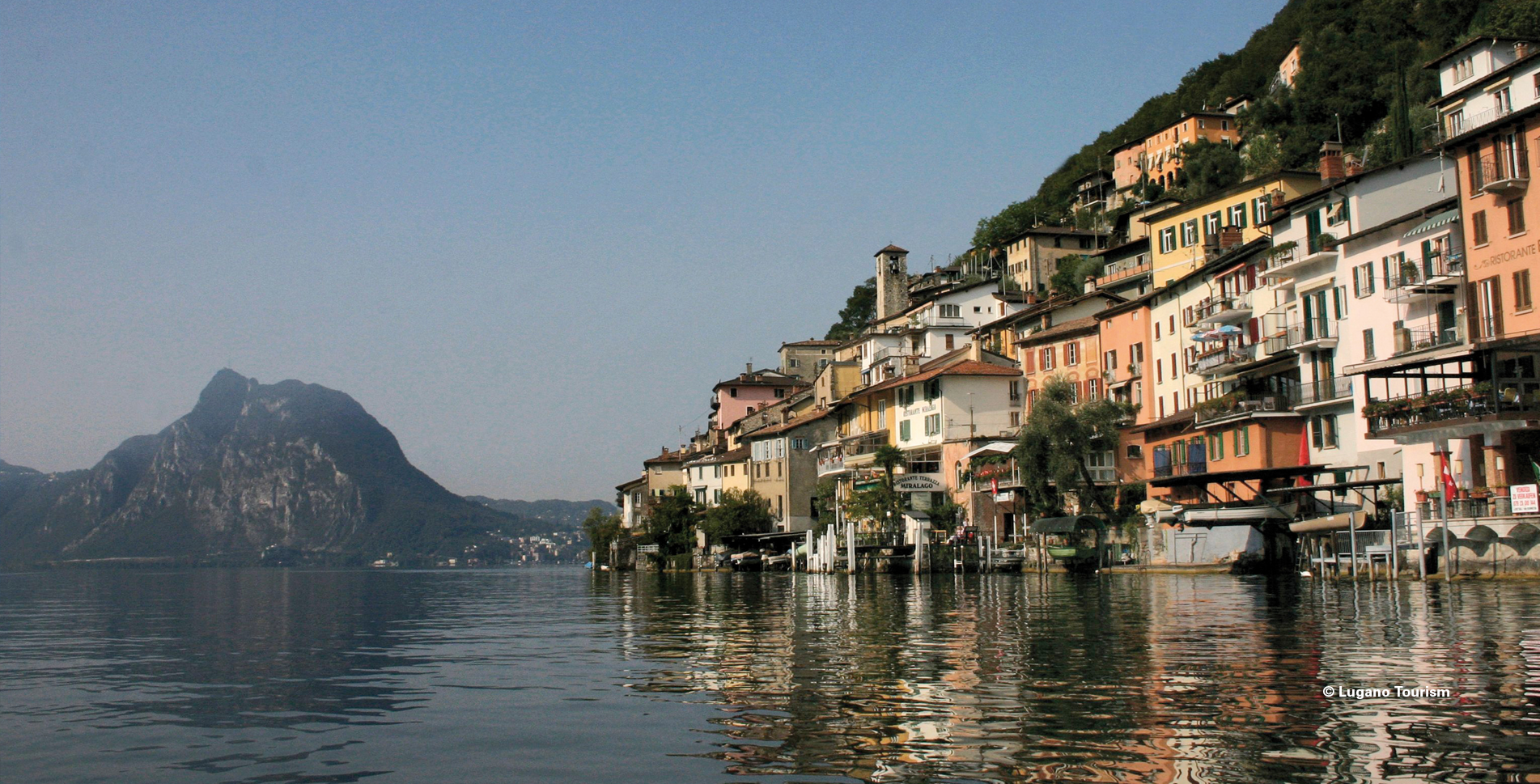 Kurze Wanderung nähe Lugano auf dem Olivenweg von Gandria nach Castagnola