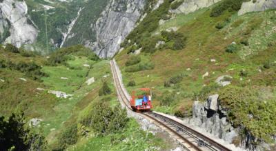 Wanderung vom Gelmersee (Talstation Handegg, Gelmerbahn) auf dem Grimsel-Säumerweg via Chüenzentennlen / Kunzentännlein, Hählenplatte, Räterichsbodensee zum Grimsel Hospiz am Grimselpass