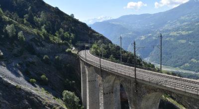 Wanderung auf der Lötschberg-Südrampe im Wallis von Hohtenn via Lidu, Brägji, Rarnerkumme, Eisenbahnbrücke Bietschtal, Riedgarten nach Ausserberg VS