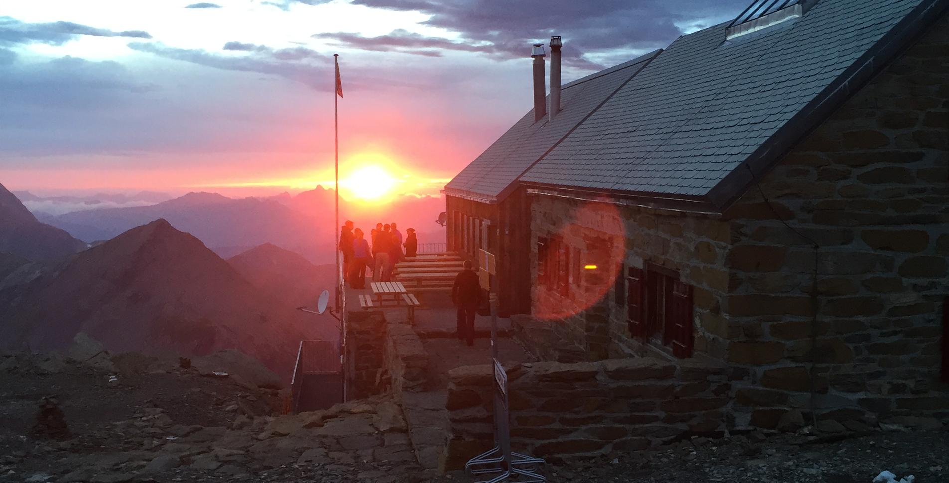 Wanderung von der Iffigenalp via Rawilseeleni zur Wildsrubelhütte und weiter via Tierbergsattel, Rezligletschersattel, Fluhseehütte, Rezlibergli zu den Simmenfällen
