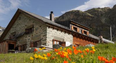 Wanderung vom Piz Nair zur Jenatschhütte und weiter Richtung Bever