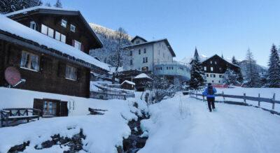 Winterwanderung von Langwies GR im Schanfigg via Dörfji, Chüpfen zum Berggasthaus Heimeli (Jatz) im Hochtal Sapün mit der Möglichkeit mit dem Schlitten zurück nach Langwies zu fahren