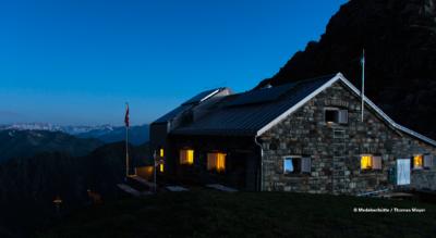 Bergwanderung von Curaglia via Medelserhütte, in der oberen Surselva, nach Fuorn (Medels)