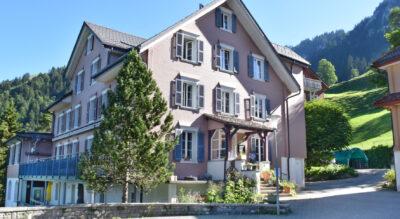 Wanderung von Niederrickenbach Dorf via Bärenfallen zur Klewenalp
