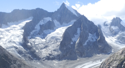 Wanderung im Wallis von Belalp zur Oberaletschhütte SAC am Oberaletschgletscher