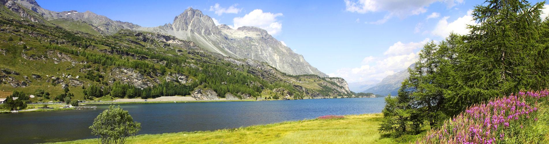 Wandern im Oberengadin: St. Moritz, Sils, Pontresina, Muottas Muragl, Val Roseg und mit den Oberengadiner Seen St. Moritzersee, Silsersee und Silvaplanersee uvm. Ein Paradies für Wanderungen!