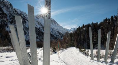 Winterwanderung in der Region Pontresina vom Bahnhof Morteratsch zum Morteratschgletscher und wieder zurück