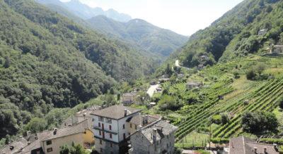 Wanderung im Centovalli von Rasa, oberhalb Verdasio, nach Intragna