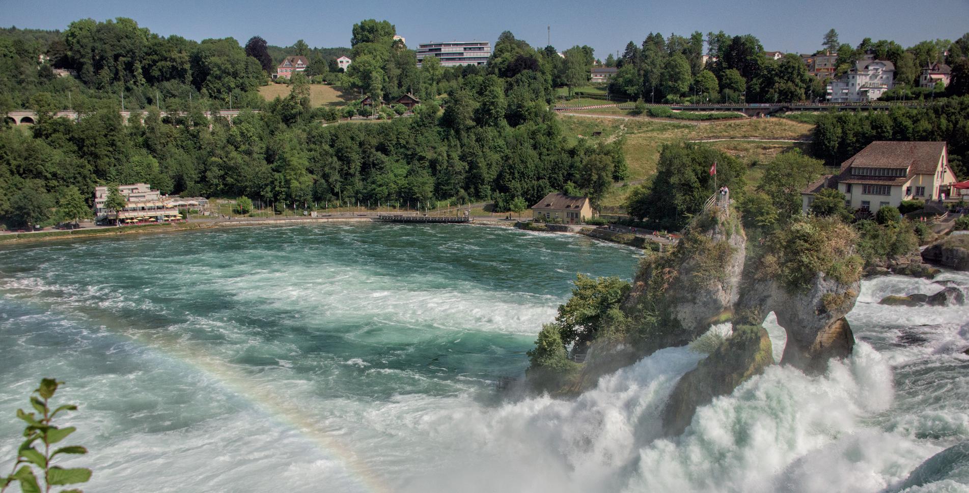 Flusswanderung über den Rheinfall von Schaffhausen nach Rheinau