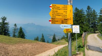 Wanderung auf dem Rigi-Panoramaweg über den Felsenweg von Rigi Kaltbad / Rigi First zur Rigi Scheidegg