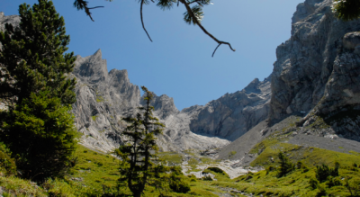 Wanderung von Rosenlaui durch die Glescherschlucht Rosenlauischlucht zur Engelhornhütte und via Graagi, Grossrychenbach, Hobalm, Reutsperri / Rüötsperri nach Chaltebrunnen / Kaltenbrunnen