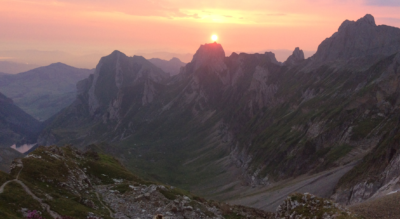 Wanderung vom Säntis auf dem Lisengrat, den Rotsteinpass und zum Berggasthaus Rotsteinpass, zur Zwinglipasshütte und weiter nach Wildhaus
