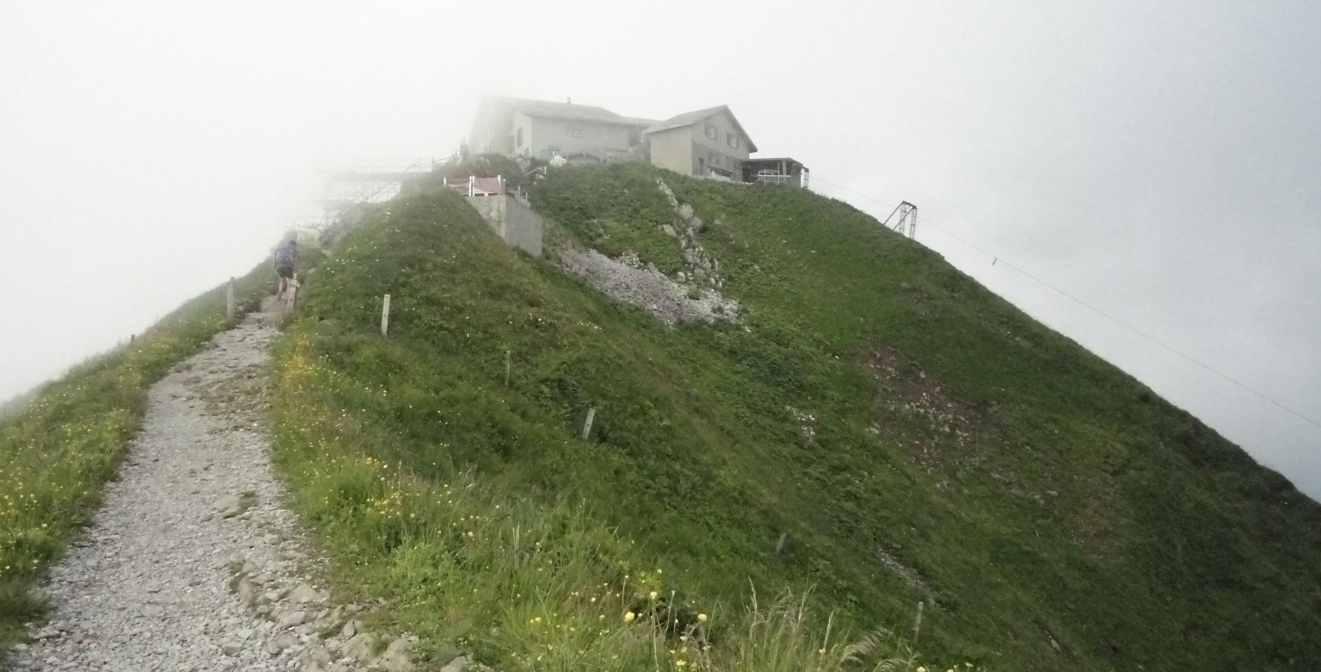 Wanderung im Appenzell (Alpstein) von der Ebenalp via Aescher-Wildkirchli, Berggasthaus Schäfler, Altenalpsattel, Berggasthaus Mesmer, Ageteplatte, Berggashaus Meglisalp, Seealpsee nach Wasserauen