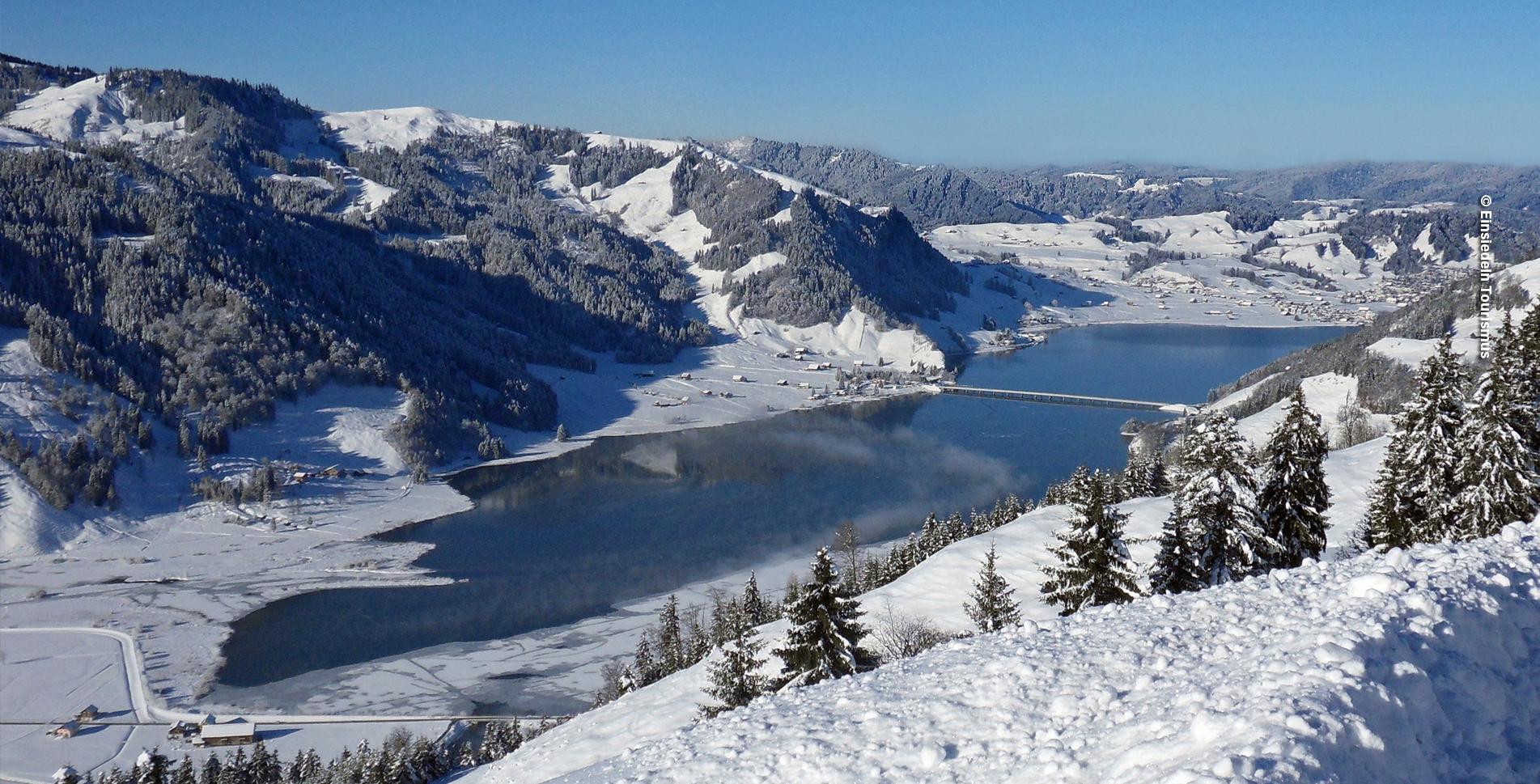Schneeschuhtour von Euthal am Sihlsee auf dem Chlosterweid-Schneeschuhtrail via Schweig und Chrummflüeli und wieder zurück nach Euthal