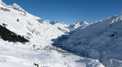 Schneeschuhtour / Schneeschuh-Rundwanderung im Urserental von Realp via Hotel Galenstock, und Abstecher zum Hotel Tiefenbach, hinauf zur Albert-Heim-Hütte SAC