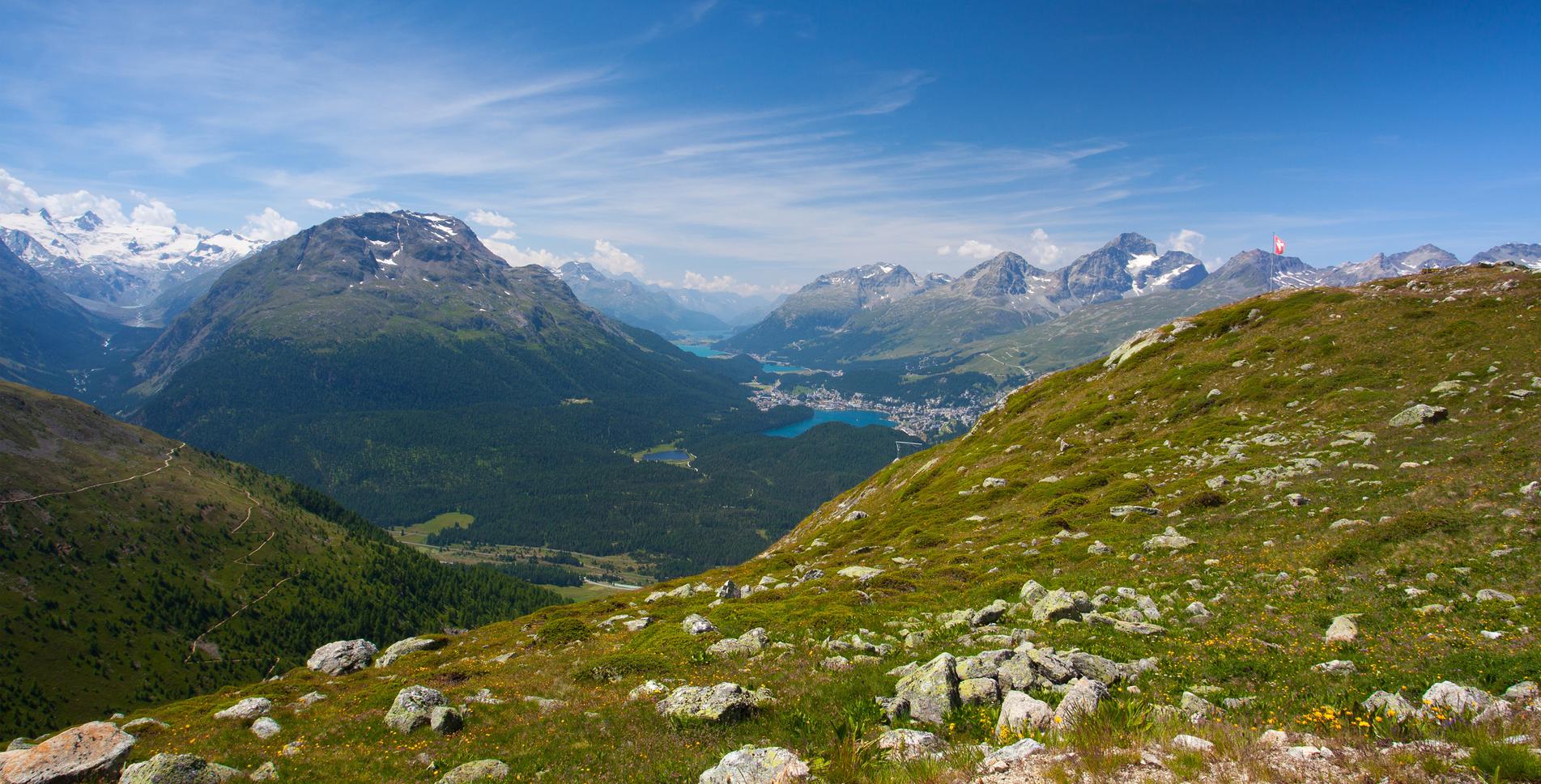 Mehrtageswanderungen Schweiz. Alle Etappen im Überblick: Sardona-Welterbe-Weg, Via Spluga, Strada Alta, Vier-Quelle-Weg, Sentiero Cristallina, Via Sett etc.