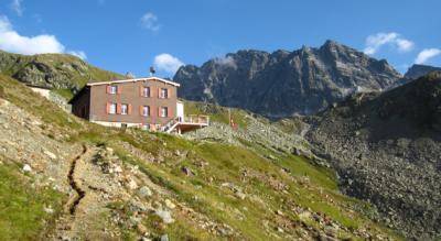 Wanderung von Klosters, Monbiel über die Alp Garfiun und Alp Sardasca zur Silvrettahütte und auf den Silvretta-Gletscherlehrpfad