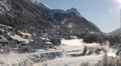 Schneeschuhtour auf dem Schneeschuhtrail von Pontresina nach Cellerin bei St. Moritz
