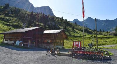 Wanderung im Prättigau von St. Antönien Partnun Alpenrösli zur Carschinahütte SAC, am Fusse des Rätikon, und weiter via Carschinasee nach St. Antönien, Bärgli
