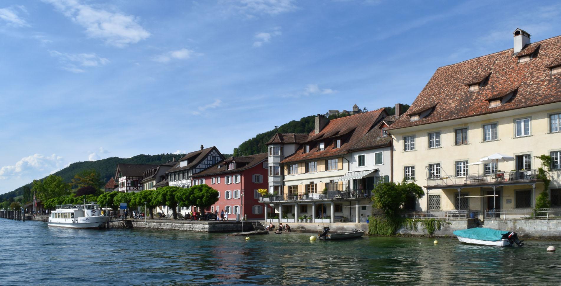 Wanderung von Steckborn nach Stein am Rheinauf auf der ViaRhenana Etappe 2 via Schloss Glarisegg, Burgruine Neuburg, Weiertobel, Mammern, Hochwacht, Klingenzell, Eschenz, Insel Weid