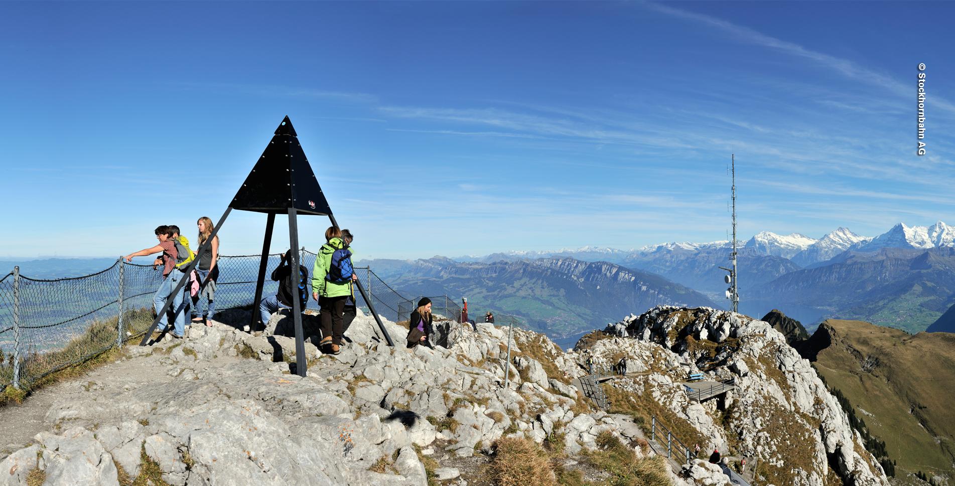Wanderung vom Stockhorn, oberhalb Erlenbach im Simmental, auf dem Panoramaweg via Berggasthaus Oberstockenalp, Hinterstockensee zur Mittelstation Chrindi