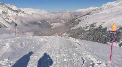 Winterwanderung von der Bergstation Tanatzhöhi nach Splügen im Rheinwald und im Naturpark Beverin auf dem Tambo Talweg