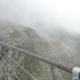 Triftbrücke: 100 Meter hoch und 170 Meter lang schwebtdie spektakuläre Hängebrücke über denTriftsee mit dem Triftgletscher. Schwindelerregend, atemberaubend!