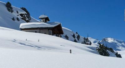 Winterwanderung von der Bergstation Gadastatt, oberhalb Vals, auf dem Panoramaweg via Frunt nach Zervreila am Zervreilasee mit anschliessender Schlittelabfahrt zurück nach Vals
