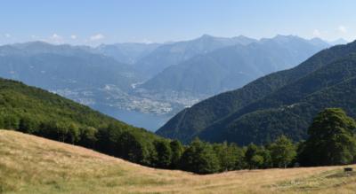 Aussichtsreiche Wanderung von der Alpe di Neggia auf den Monte Gambarogno und weiter via Alpe Cedullo, Oratorio di Sant' Anna nach Indemini
