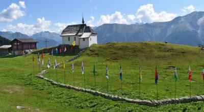 Wanderung in der Aletsch Arena von der Moosfluh, oberhalb Bettmeralp, via Riederfurka zur Riederalp mit Blick auf den Aletschgletscher