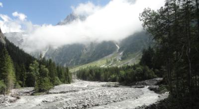 Wanderung ins Gasterntal von Kandersteg an der Kander entlang via Gastereholz nach Selden mit Einkehrmöglichkeit beim Hotel Steinbock, Hotel Gasterntal-Selden und im Berggasthaus Heimritz