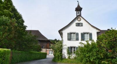Wanderung von Winterthur an der Töss entlang via Freienstein, Rorbas zur idyllischenTössegg (Teufen ZH), wo die Töss in den Rhein einmündet. Hier findet man Badeplätze, Feuerstellen und das Restaurant Tössegg.