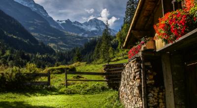 Wanderung von Stechelberg im hinteren Lauterbrunnental zum Berggasthaus Trachsellauenen und weiter via Schürboden zu den Holdrifäll / Holdrifällen, Schmadribachfällen, Talbachfall