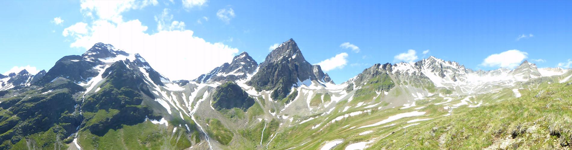 Wandern im Unterengadin: Scuol, Motta Naluns, Tarasp, Guarda, Lavin, Ardez, Val Sinestra, Val d'Uina, Val S-charl, Macun Seen uvm. Auf zu den schönsten Wanderungen!