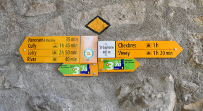 Wanderung entlang der Terrasses de Lavaux, den Weinterrassen von Lavaux, die zum Welterbe der UNESCO gehören, von St. Saphorin via Rivaz, Le Dézaley, Epesses, Riex, Aran, Le Châtelard nach Lutry am Lac Léman / Genfersee.
