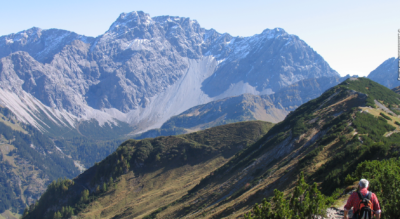 Wanderung auf dem Fürstin-Gina-Weg im Fürstentum Liechtenstein von der Bergstation Sareis via Sarseiserjoch, Spitz, Mattelti, Augstenberg, Pfälzerhütte, Bettlerjoch, Tälihöhe nach Malbun
