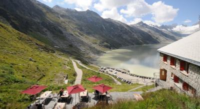 Wanderung / Rundwanderung von der Grimsel Passhöhe via Husegghütte, Triebtenseeli, Bäregg, Berghaus Oberaar, Oberaarsee zum Oberaargletscher und wieder zurück zum Grimselpass